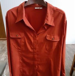 Plus size Cato women.  Button up blouse size 26/28